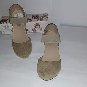 Madeline  stuart  shoes sz 7M